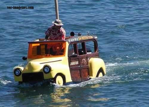 Coche-canoa