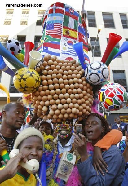 """Un superhincha de sudáfrica se apoda el """"huevero"""""""