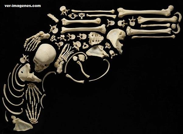 Las esqueleticas creaciones de un artista