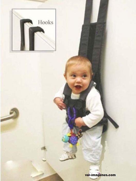 Un útil y práctico porta bebé para colgarlo donde sea.