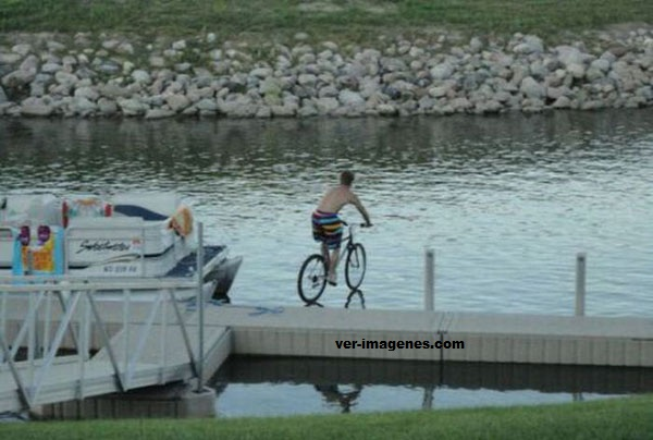 Pedaleando sobre las aguas