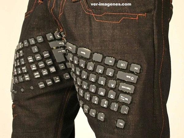 Inventan pantalones con teclado y mouse incluidos