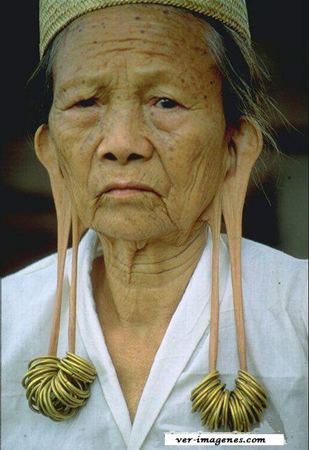 Que orejas de la abuelita!