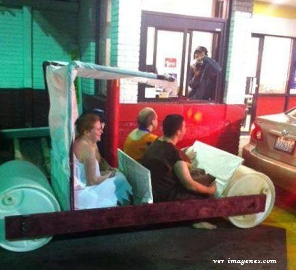 Los picapiedra van al McDonald's