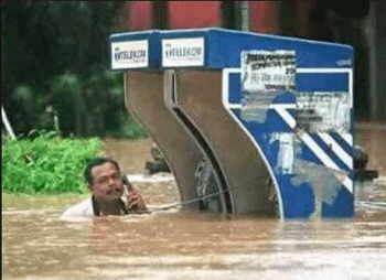 Llamada de telefono durante las inundaciones.