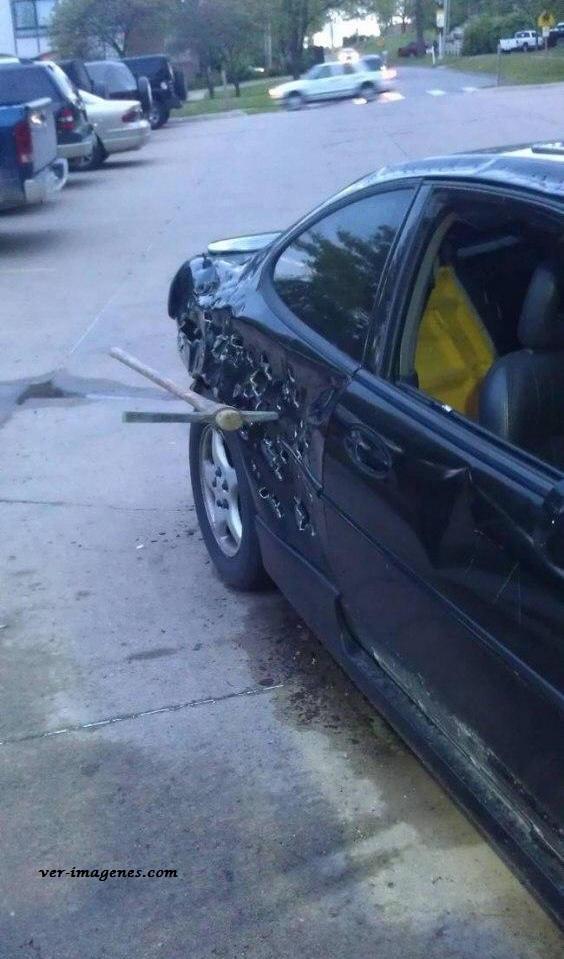 Un vecino cabrón y un coche destrozado
