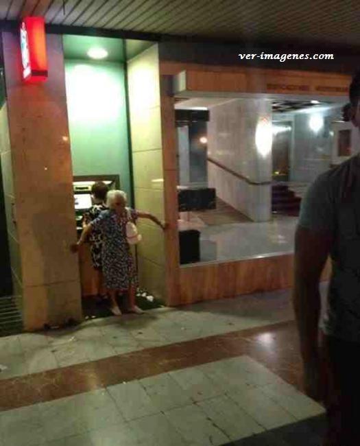Seguridad personal para que no la asalten en el cajero