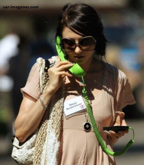 Usando el telefóno celular a la antigua