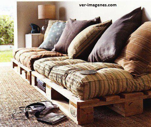 Sofa hecho de pales