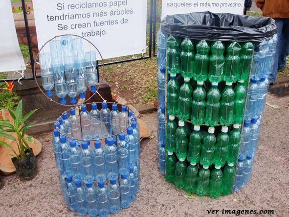 Safacon de basura realizado con botellas de plástico