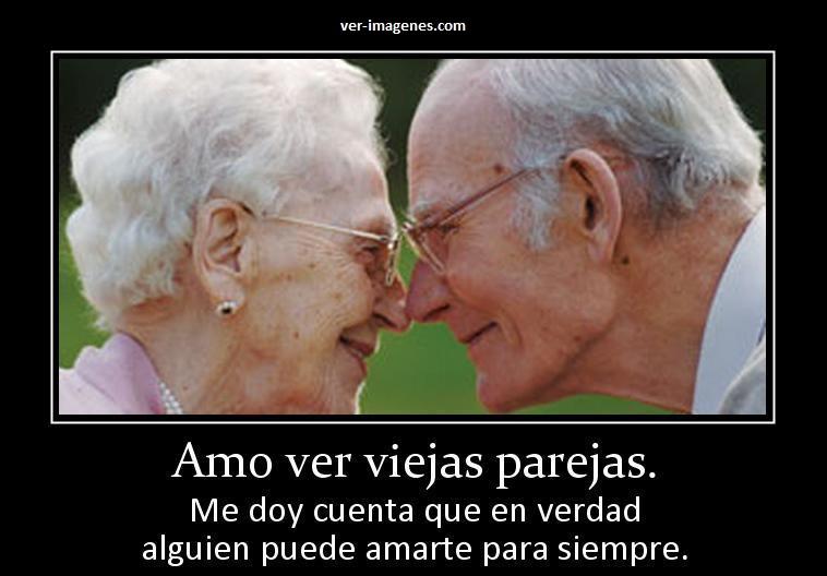 Amo ver viejas parejas.....