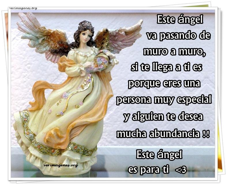 Este ángel va pasando de muro en muro