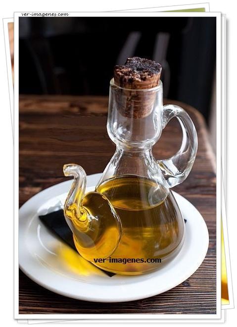 Imagen Limpiar la aceitera con café